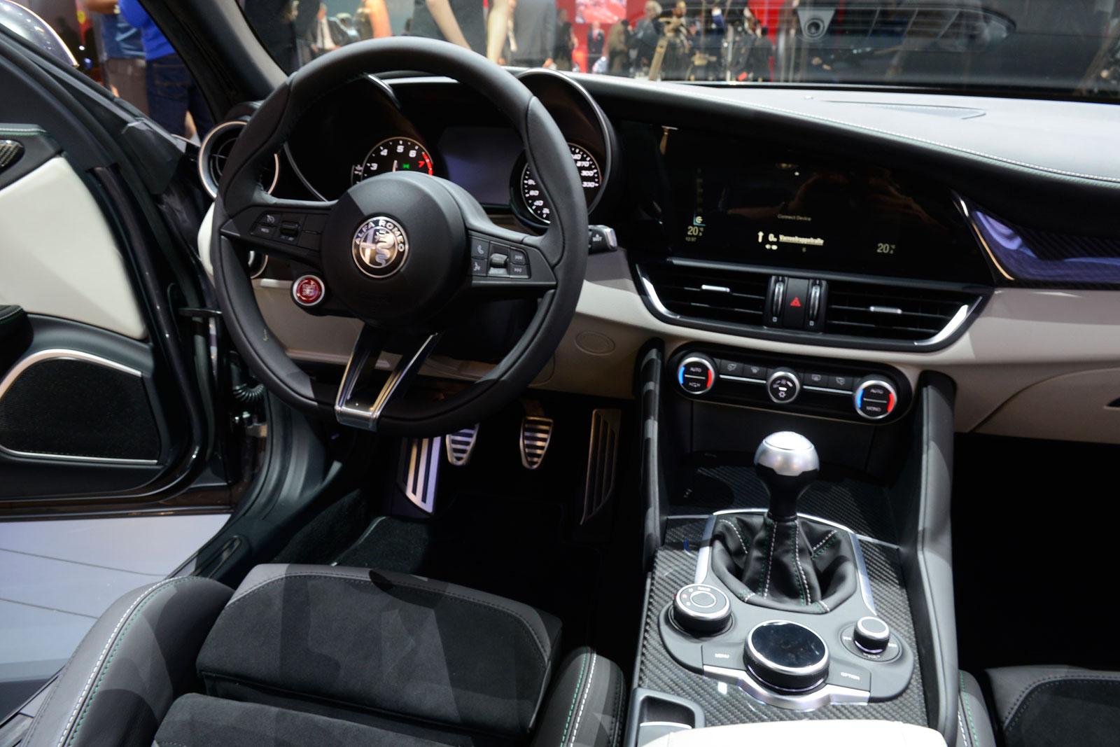 Alfa Romeo Giulia Interior Car Body Design