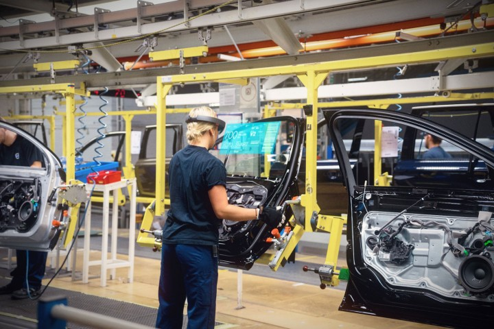 Volvo production with Microsoft HoloLens