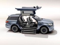 Lincoln Navigator Concept is a yacht-inspired luxury SUV