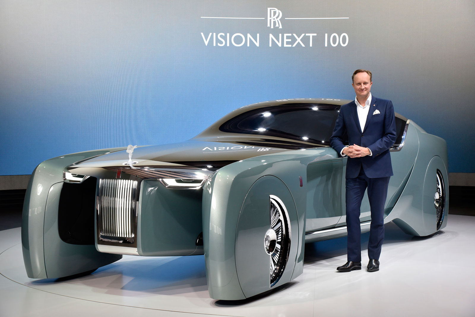 Giles Taylor and the Rolls-Royce 103EX Vision Next 100 Concept