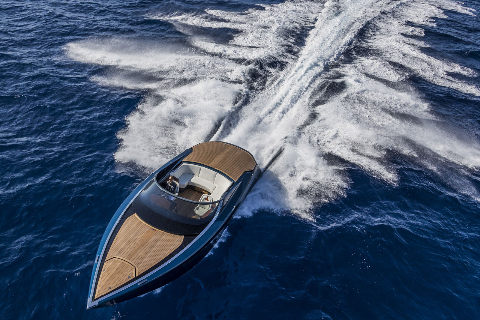 Aston Martin AM37 Powerboat
