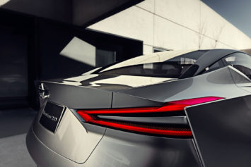 Nissan Vmotion 2.0 Concept tail light