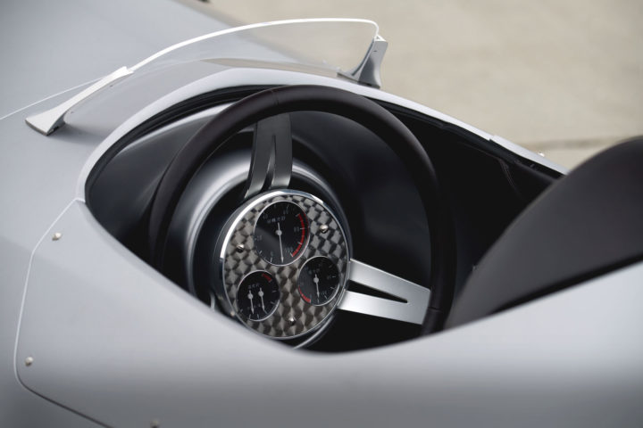 03-infiniti-prototype-9-steering-wheel