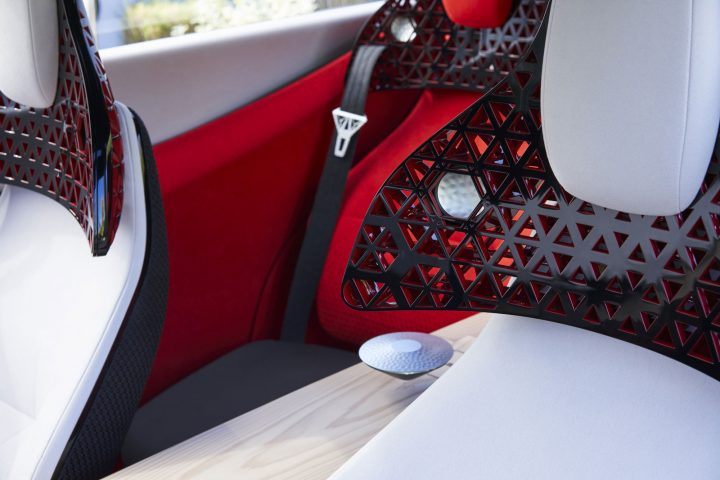 Nissan Xmotion Concept Interior Headrest design