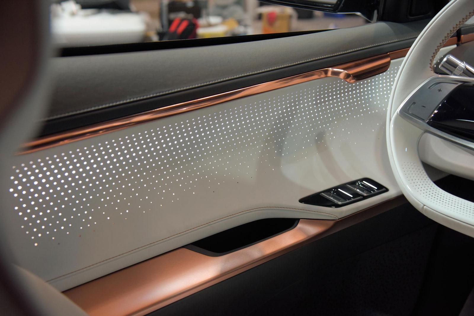 World Car Kia >> Kia Niro EV Concept Interior Detail Door Panel - Car Body ...