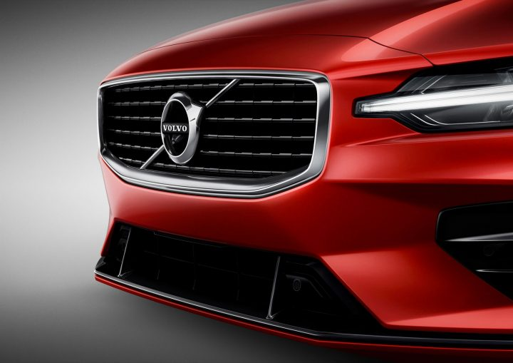 Volvo S60 R Design Front Grille