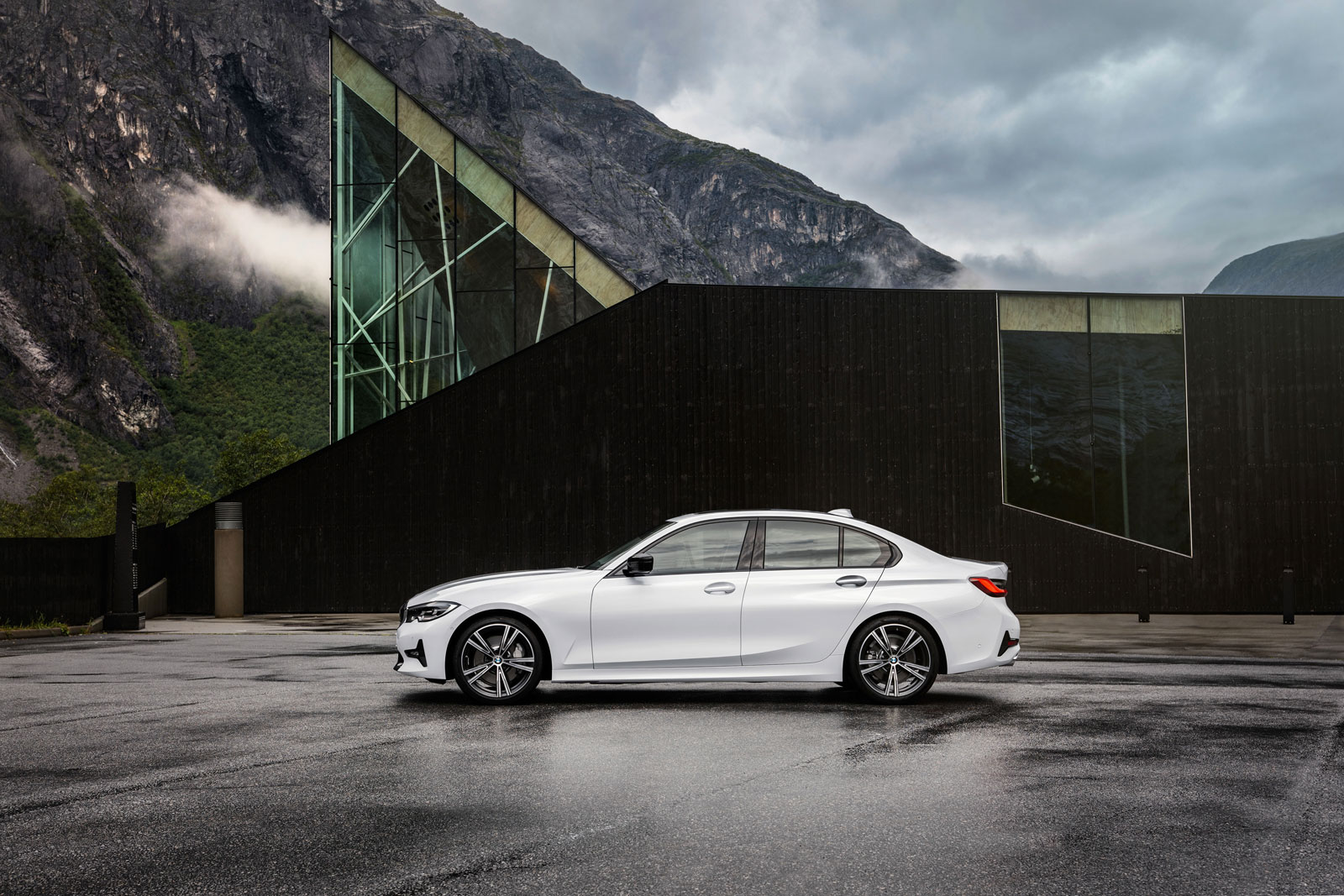New BMW 3 Series Sedan Exterior Design