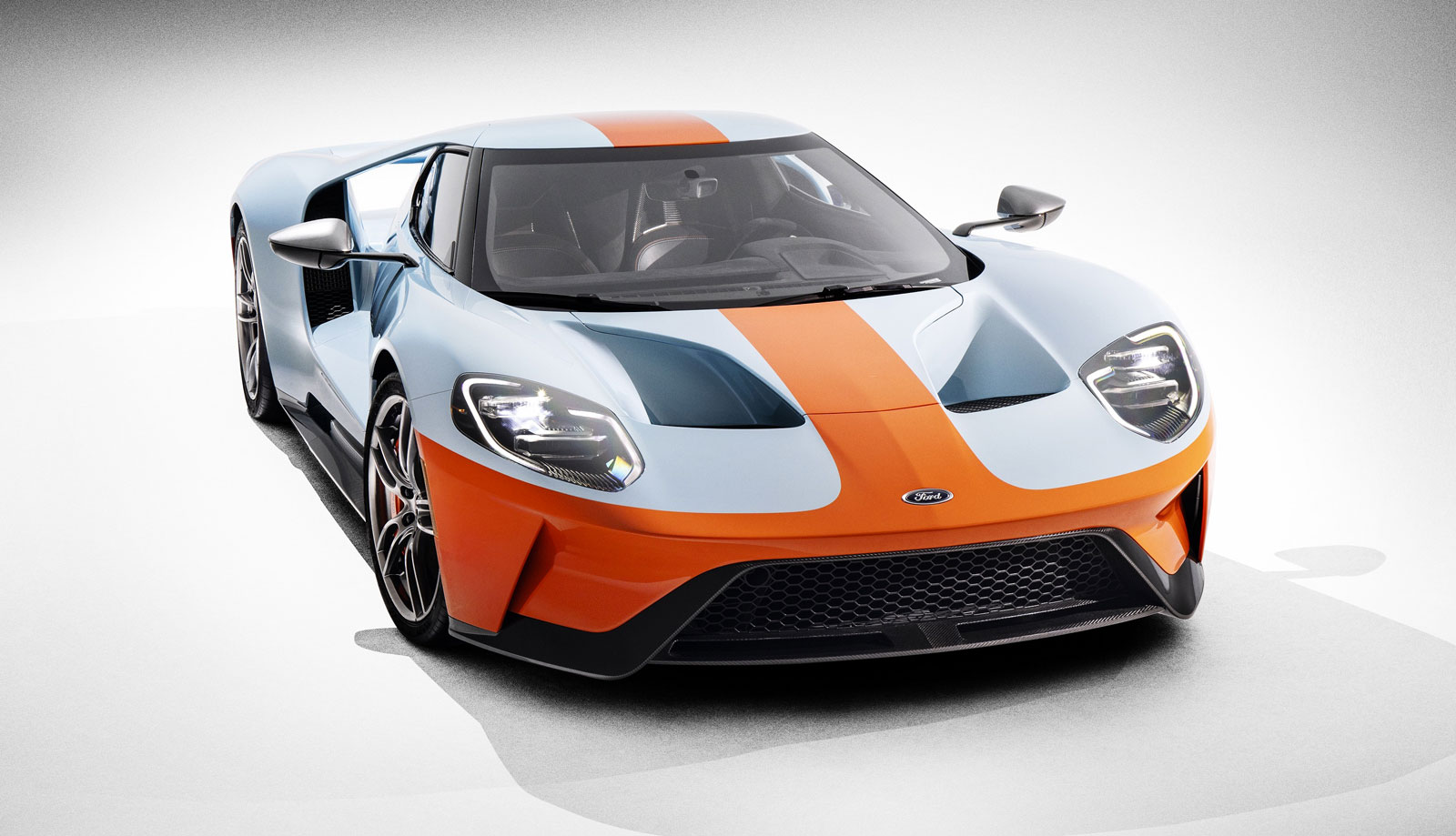Ford GT Heritage Edition model celebrates the 50th anniversary