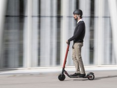 Seat enters micro-mobility market with Segway-powered eXS KickScooter