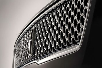 2017 Lincoln MKZ Parametric Design Grille